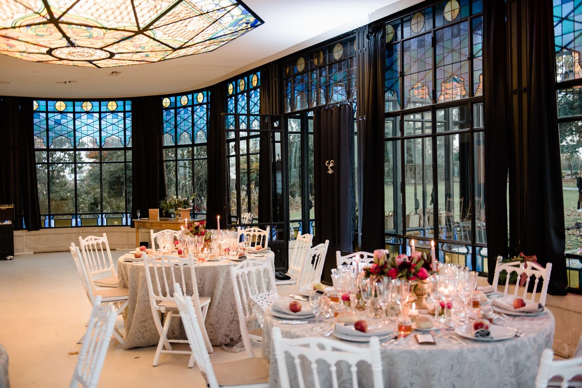 Wedding-venue-in-bordeaux-château-pape-clément-vineyards-dinner-set-up